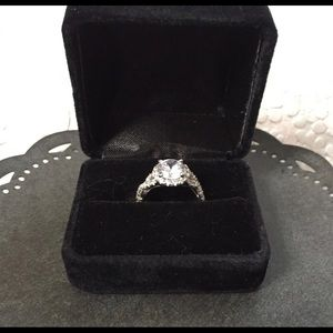 1.8 ct white gold cubic zirconia ring